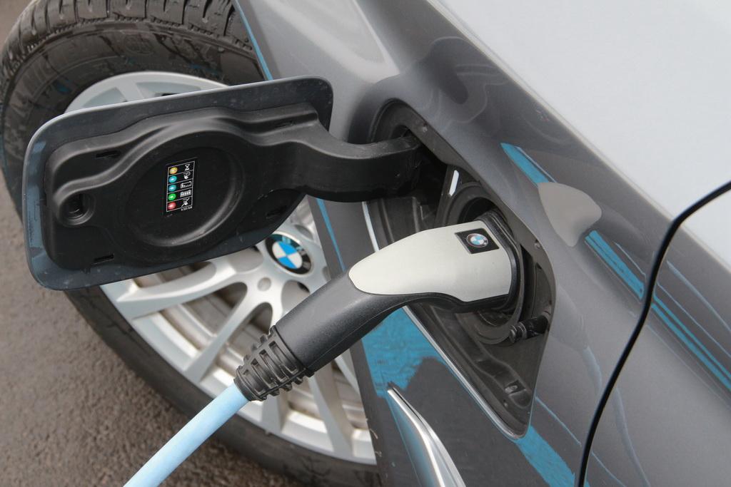 Зарядка BMW 530e