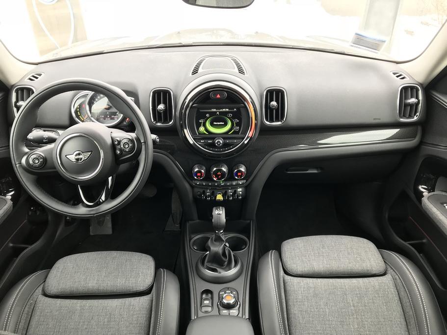 Интерьер MINI Cooper S E