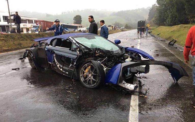 ДТП года: экзотические спорткары разбили в нелегальной гонке
