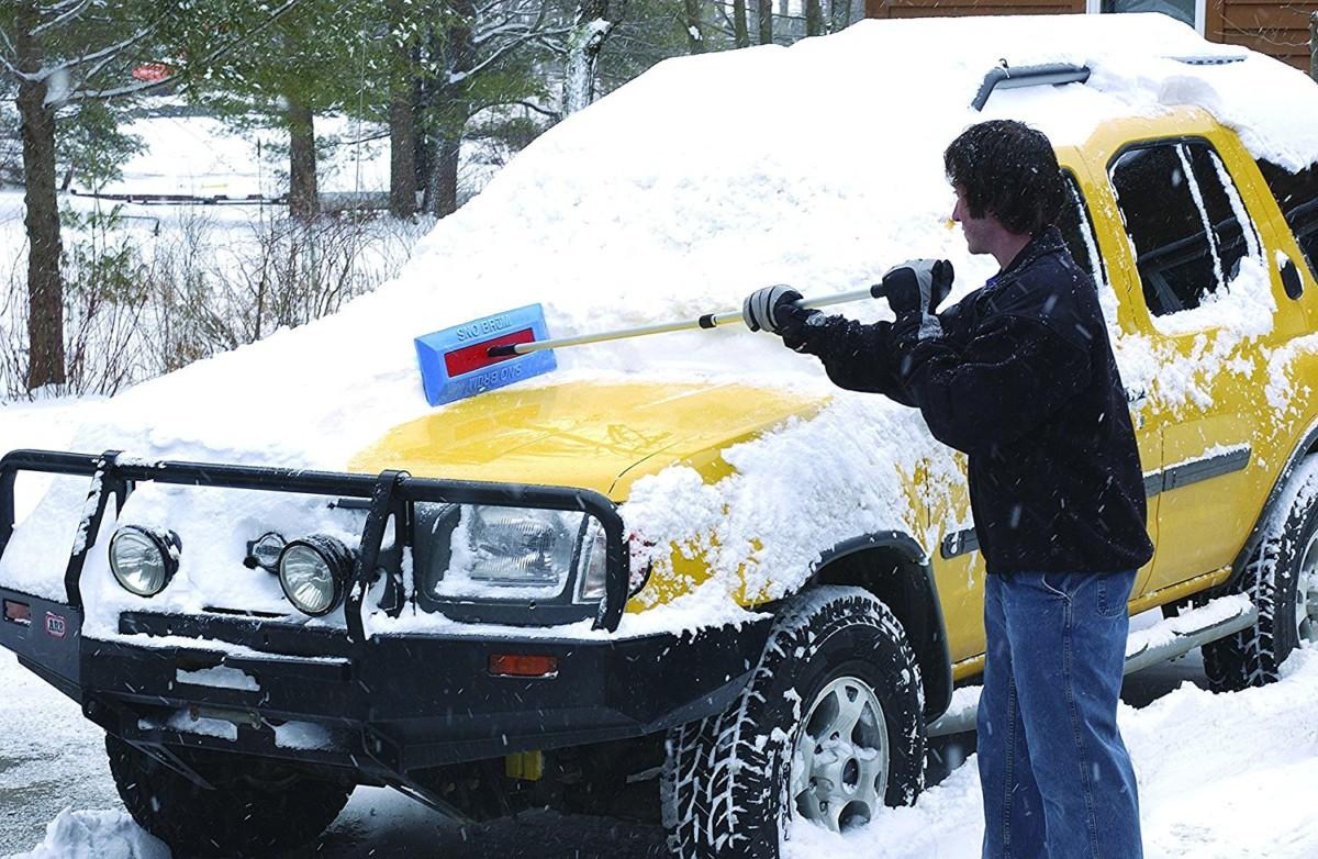 Убрать снег и лед с кузова машины - советы