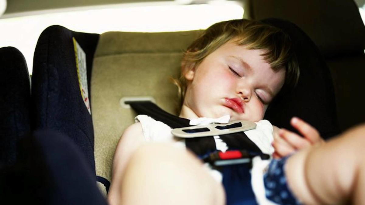 Почему нельзя оставлять ребенка одного в машине 1