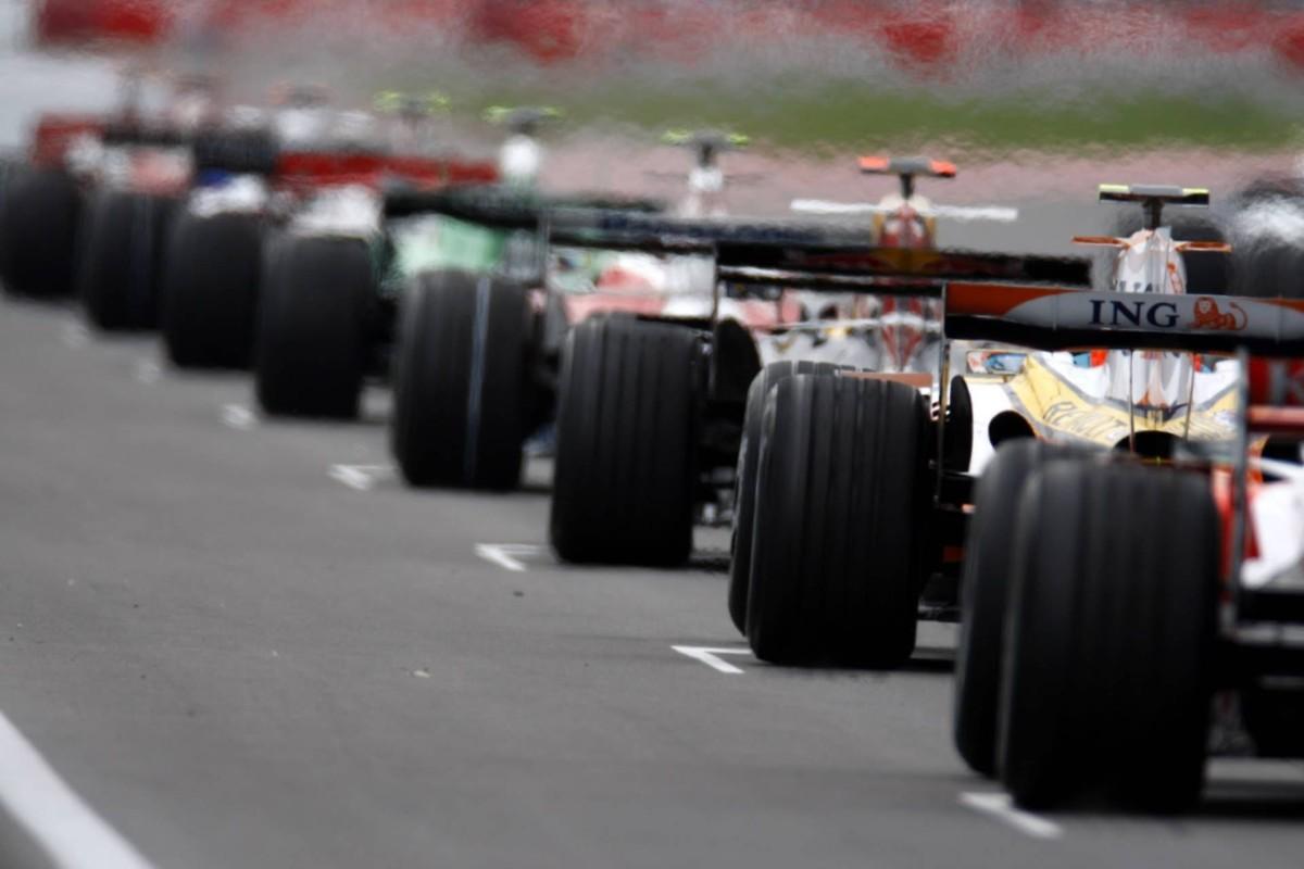 Шины гоночных болидов Формула 1