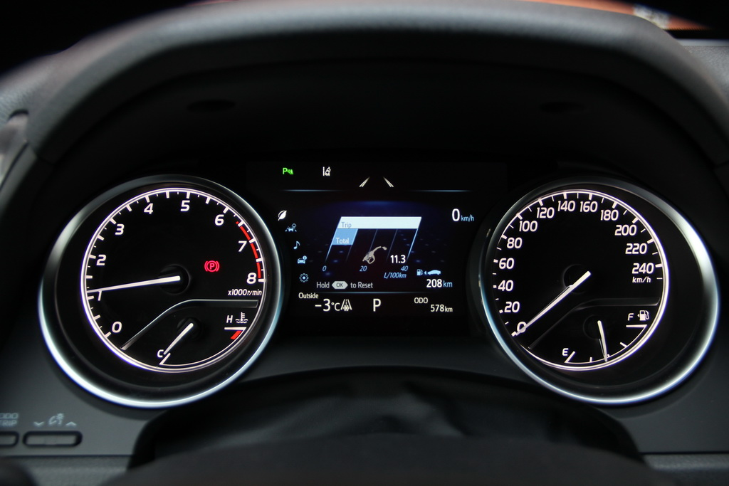 Расход топлива Toyota Camry 2018