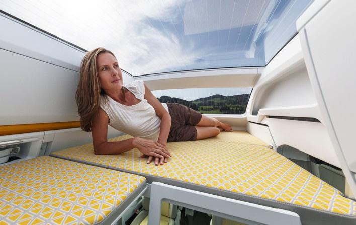 Сalifornia XXL отличается панорамной крышей.