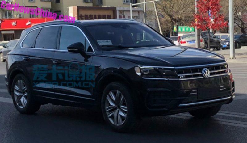 Новый Volkswagen Touareg 2019 засняли во время тестов