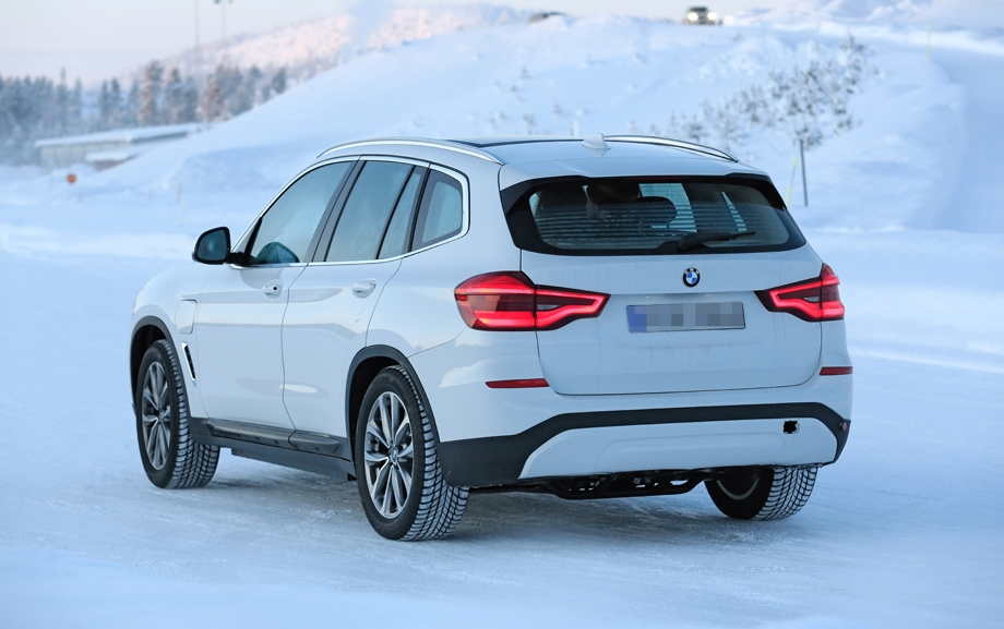Электрический кроссовер BMW iX3 замечен на тестах