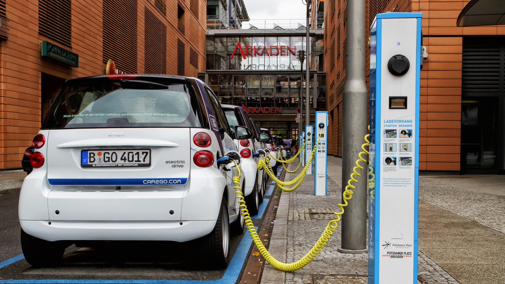 какая из стран лидирует по количеству электромобилей - в Норвегии 30% всех авто электромобили