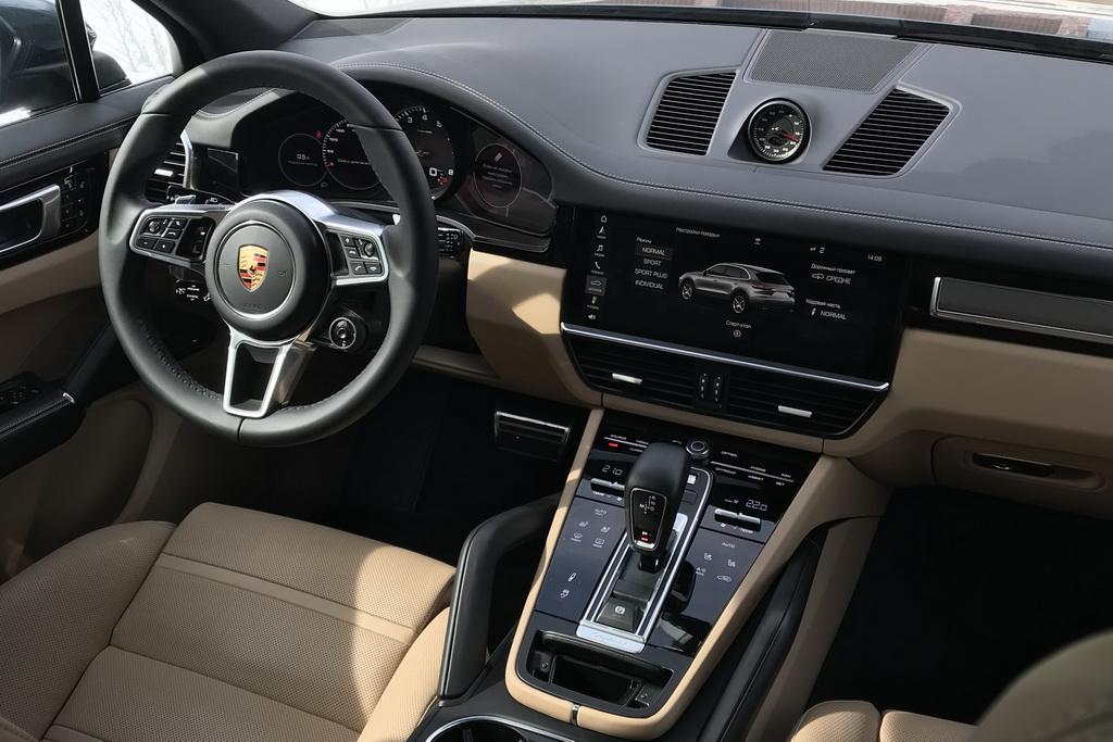 Салон нового Porsche Cayenne 2018