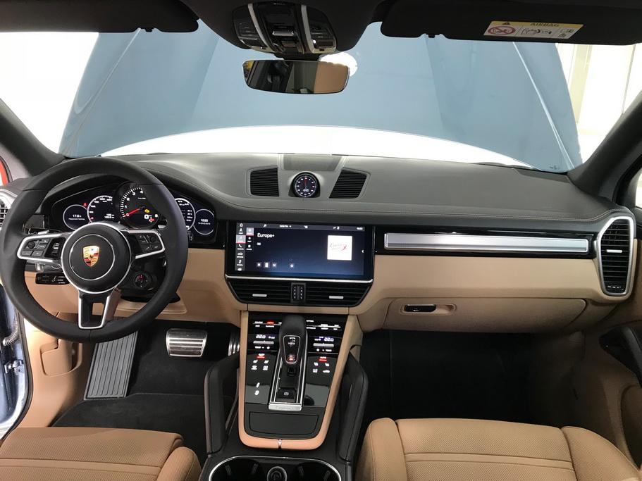 Салон Porsche Cayenne 2018