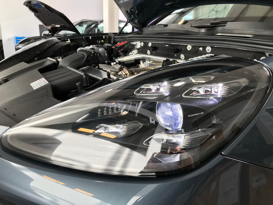 LED оптика Porsche Cayenne 2018