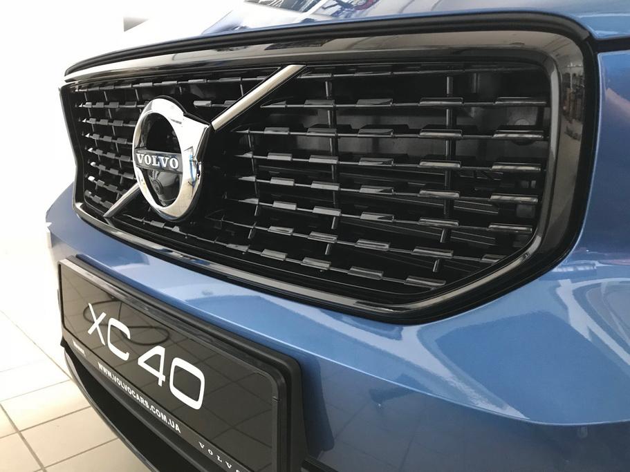Volvo XC40 2018 R-Design