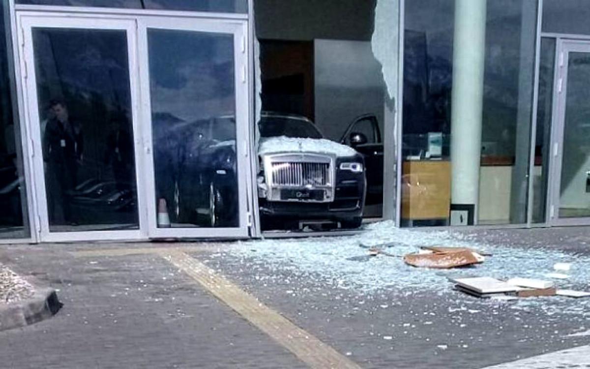 Rolls-Royce crash