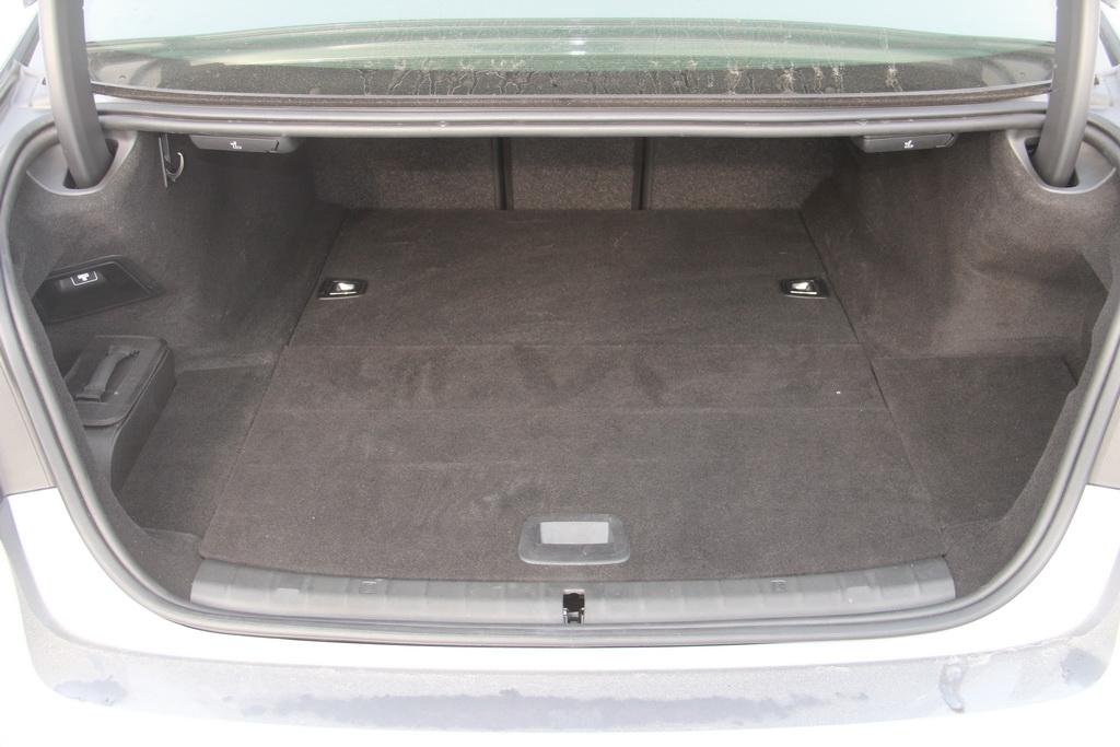 Багажник BMW 530e