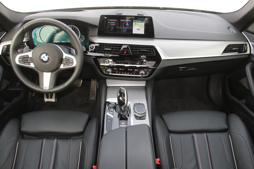 Салон BMW 530e
