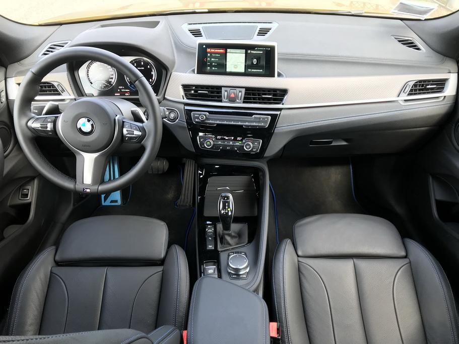Интерьер BMW X2 2018