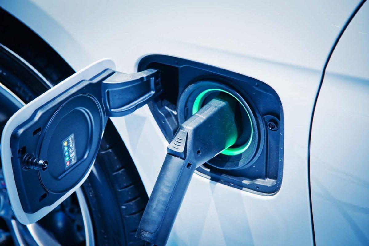 Автопроизводителей обвинили в сговоре по задержке выпуска электромобилей 3