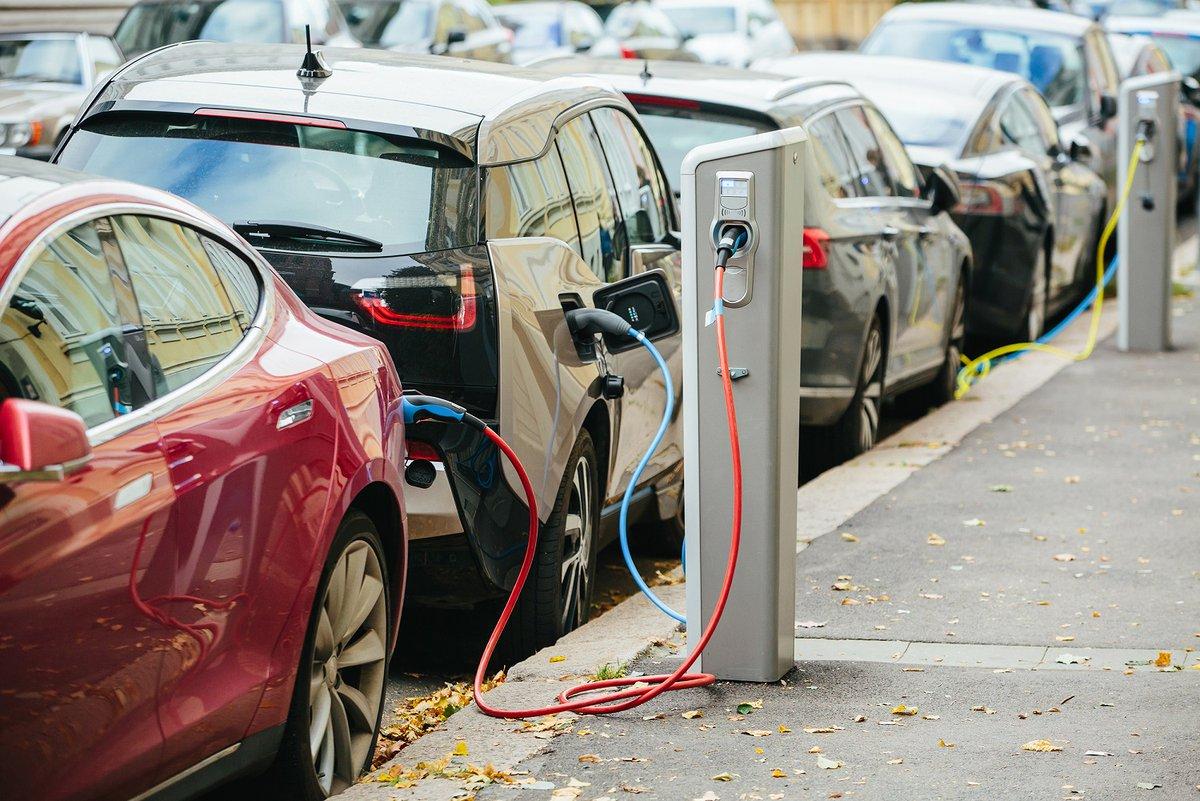 Автопроизводителей обвинили в сговоре по задержке выпуска электромобилей 1