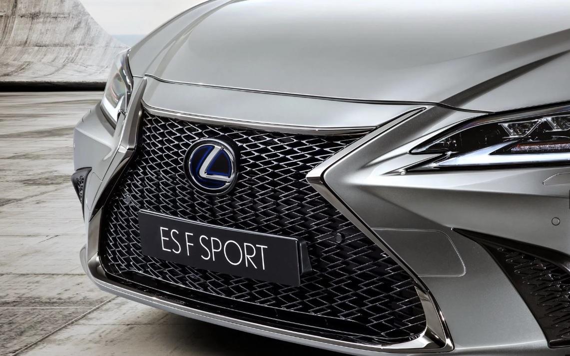 Lexus ES 2019 - модель F Sport
