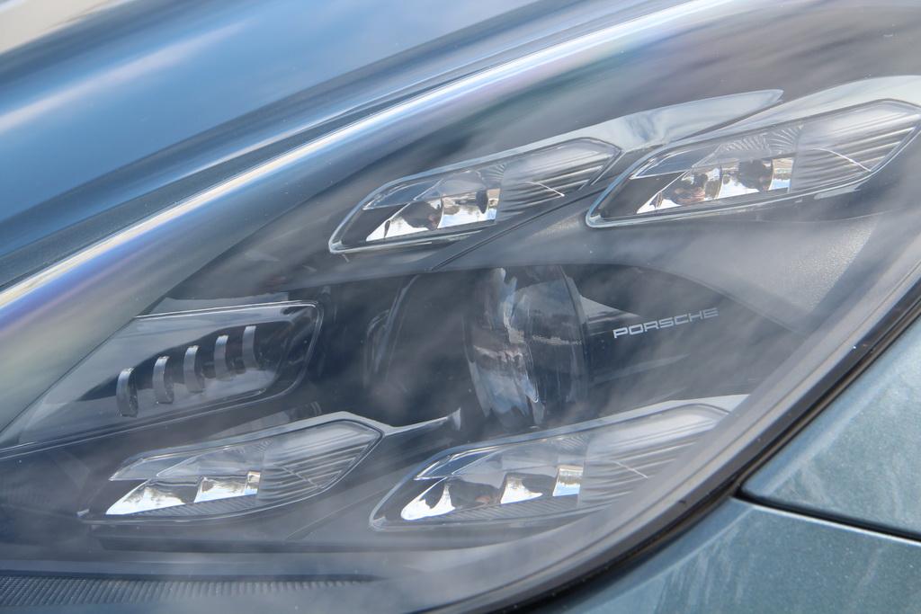 Оптика нового Porsche Cayenne