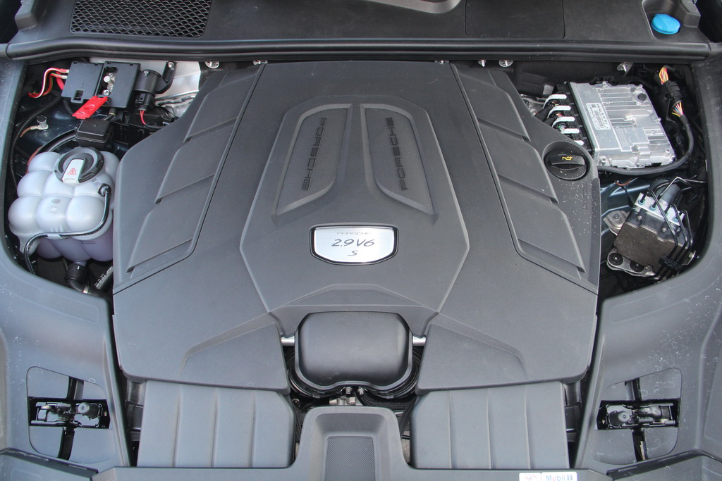 Мотор нового Porsche Cayenne S