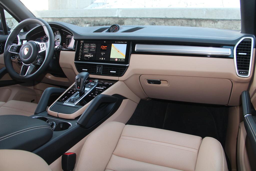 Салон нового Porsche Cayenne