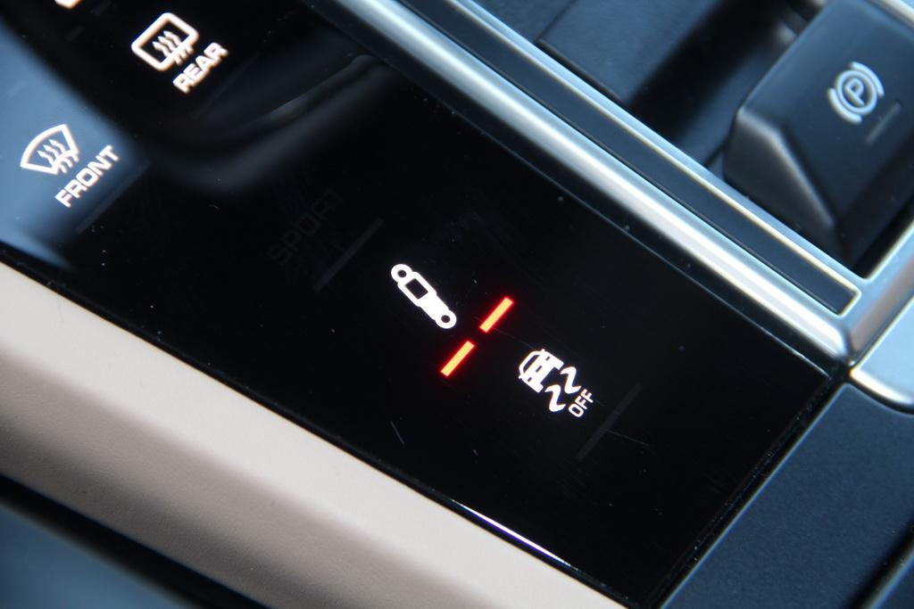 Регулировка подвески в новом Porsche Cayenne