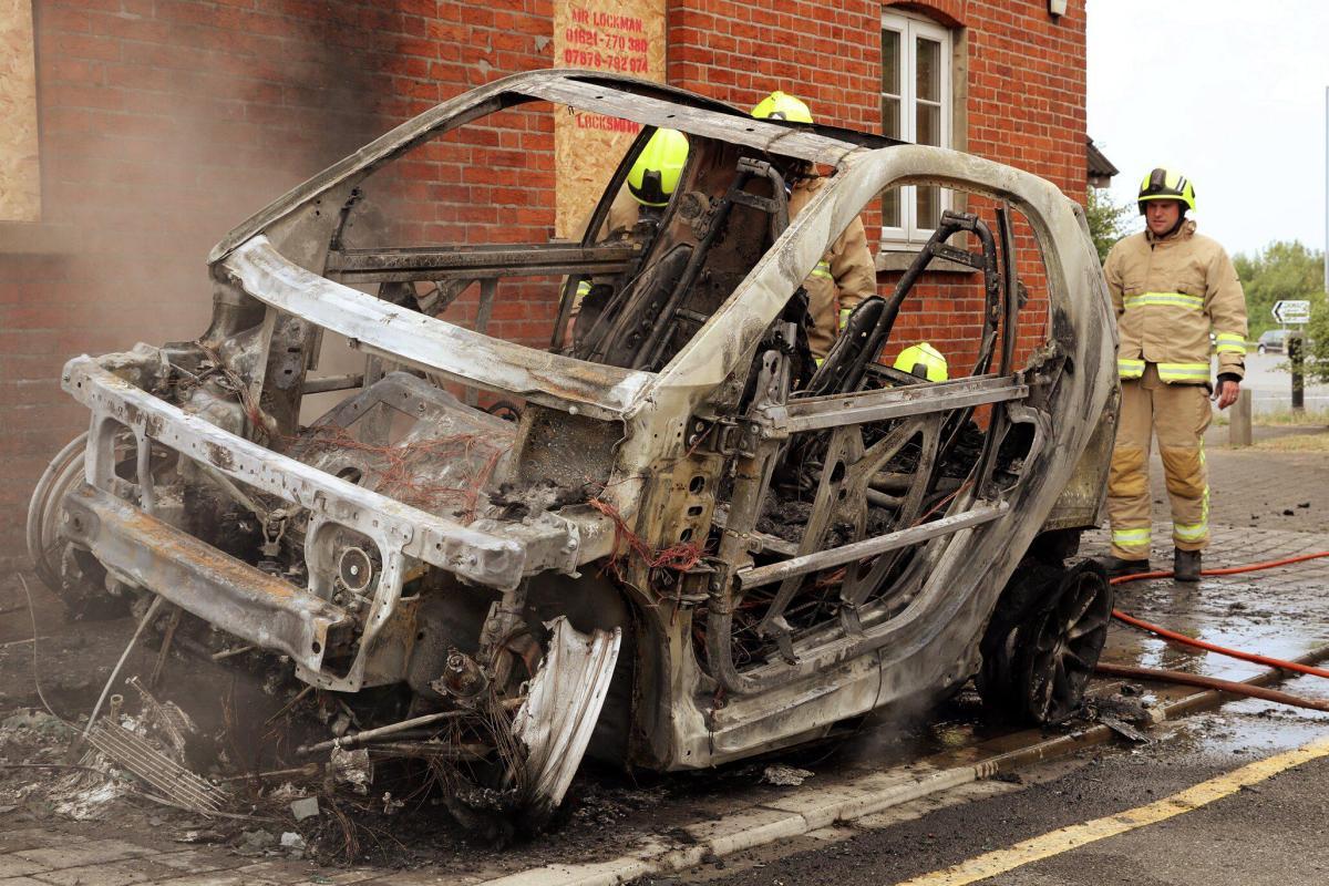 Повторное возгорание электромобиля