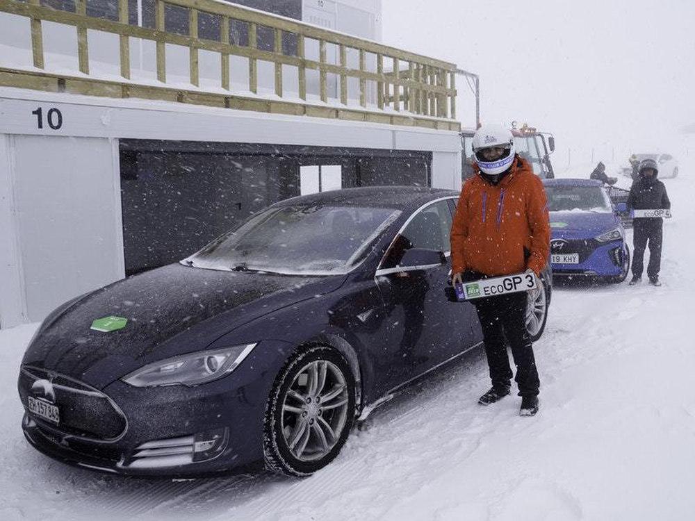 Гонки электромобилей на снегу в Андорре
