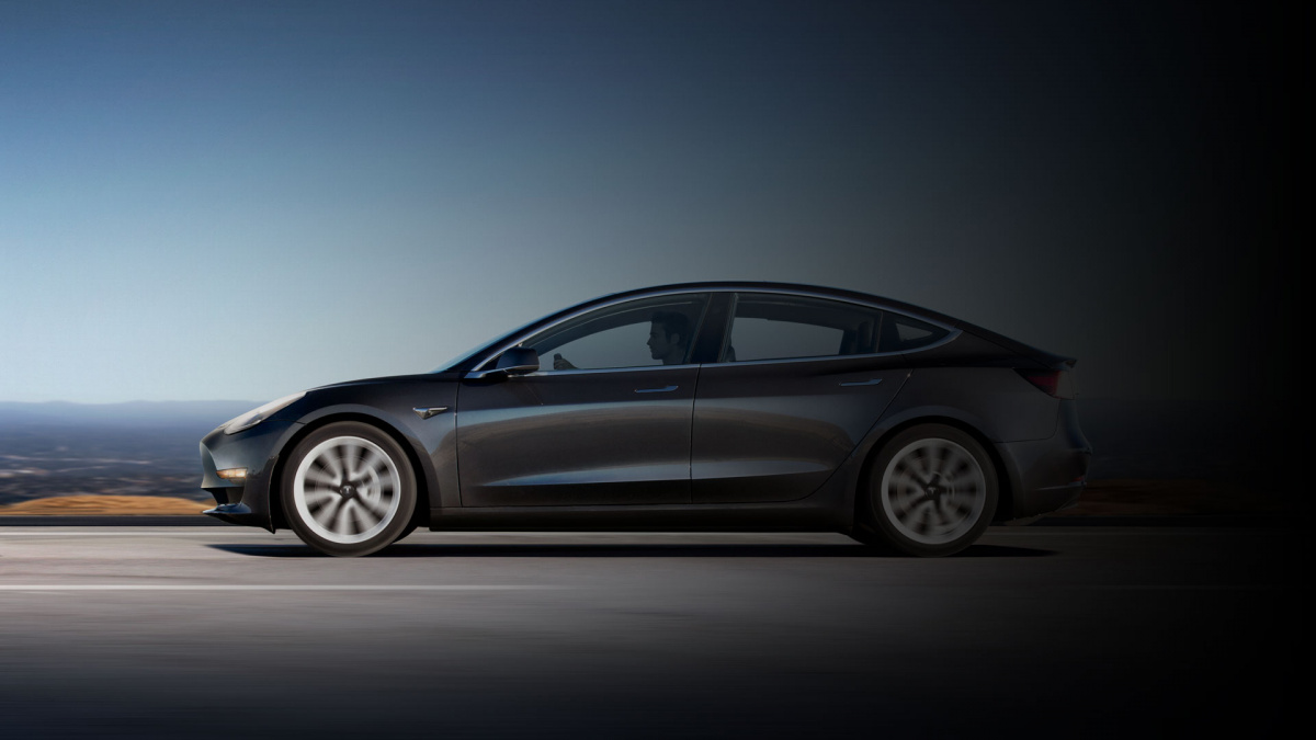 Рекорд запаса хода Tesla Model 3