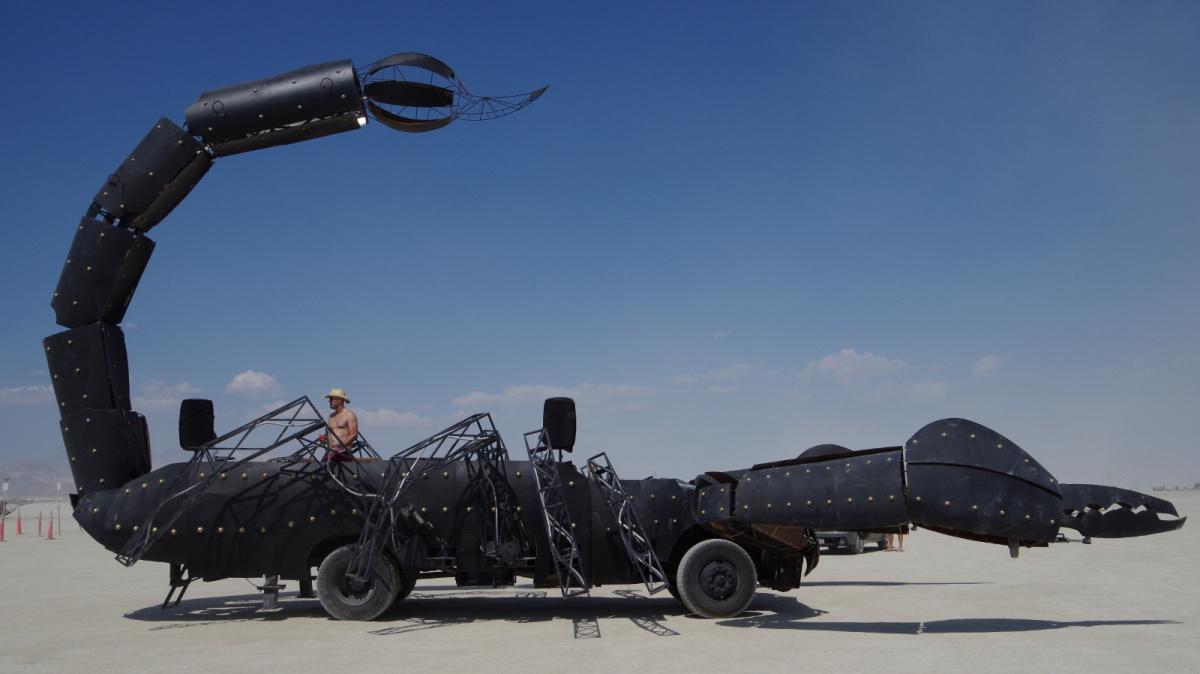 автомобили, превращенные любителями-механиками в произведения искусства - скорпион