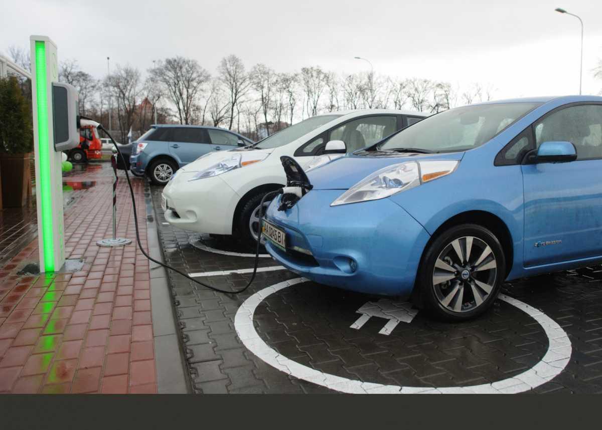 7 модных трендов автоиндустрии сегодня - электромобили в Украине