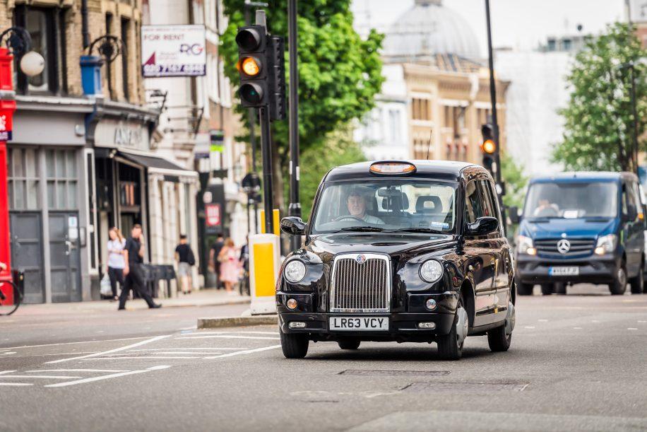электромобили -лондонское такси