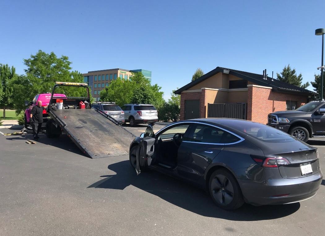 Tesla Model 3 на одном заряде может проехать почти 1500 км