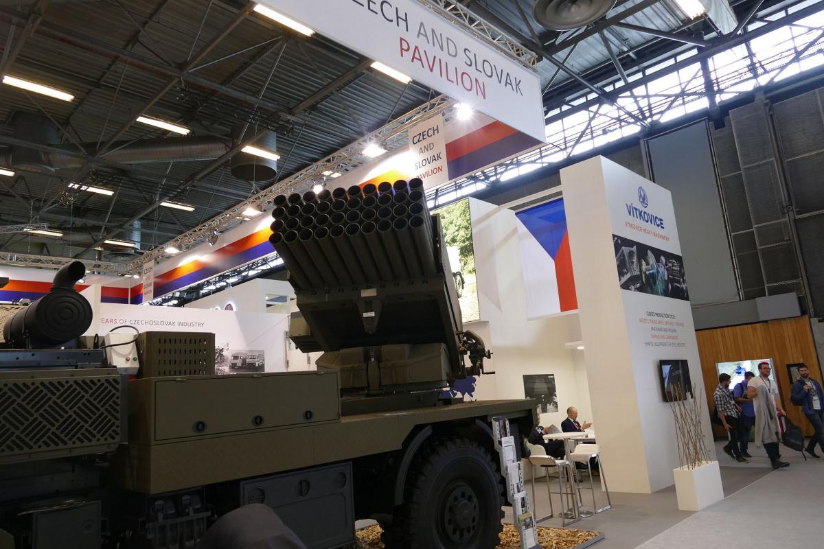 تعرف على التطوير التشيكي للراجمه الغراد ........ الراجمه BM-21 MT  41901913365_b5b9c1fe29_k