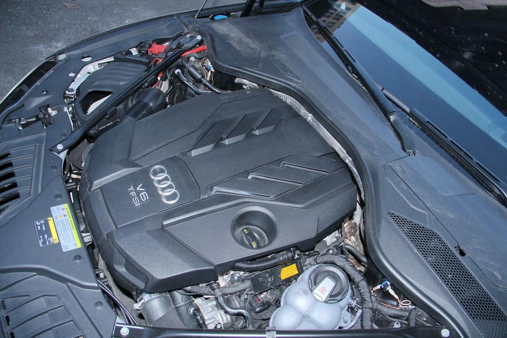 Бензиновый мотор V6 Audi A8 L