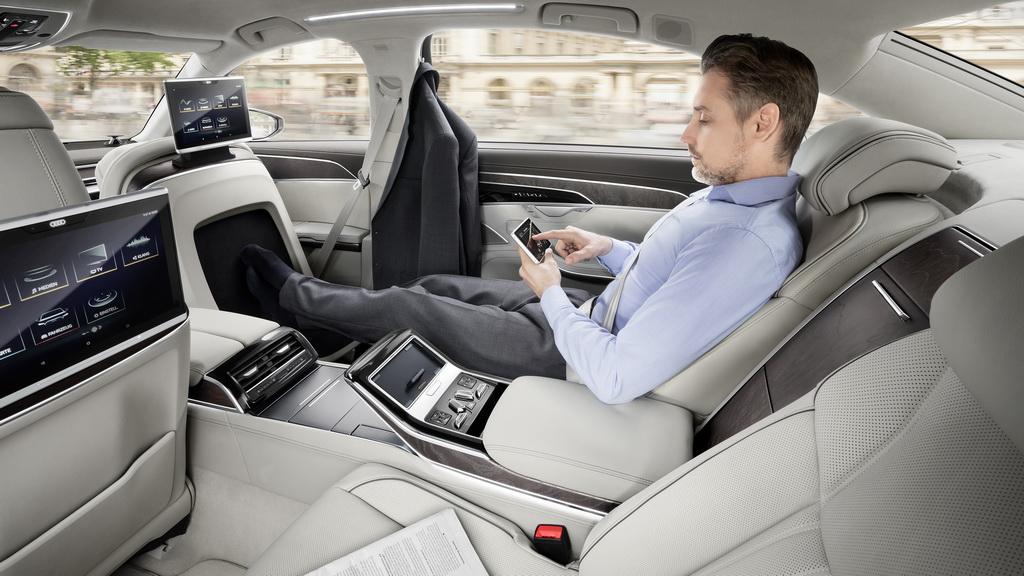 Задний ряд Audi A8 L