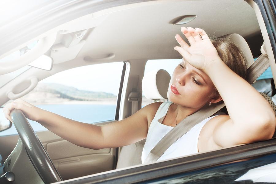 Чем опасна жара в авто