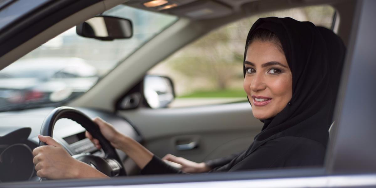 Фото принцессы Саудовской Аравии за рулем