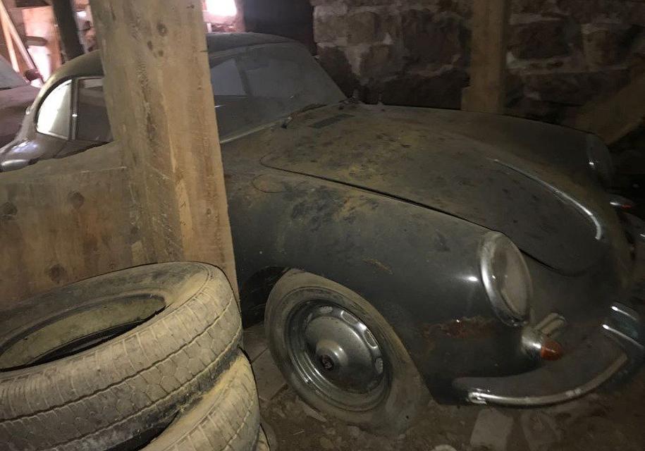 Забытый на40 лет Porsche священника выставили напродажу
