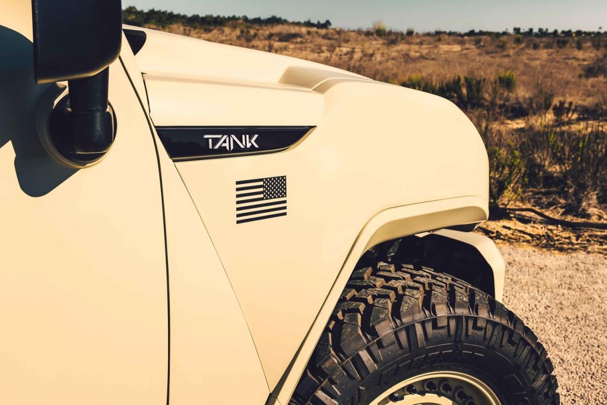 Rezvani выпустил версию джипа Tank для военных
