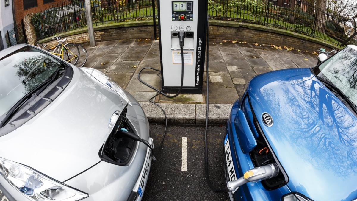 Зарядные станции дляч электрокаров в Лондоне