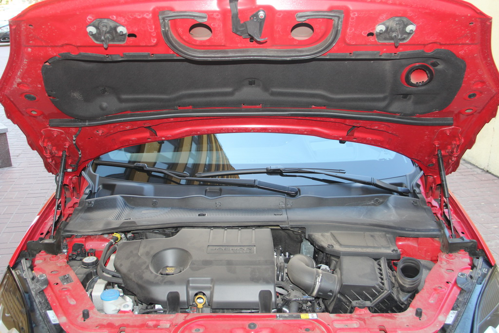 Дизель на Jaguar E-Pace