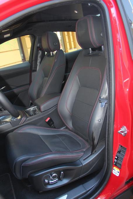 Сиденья в Jaguar E-Pace