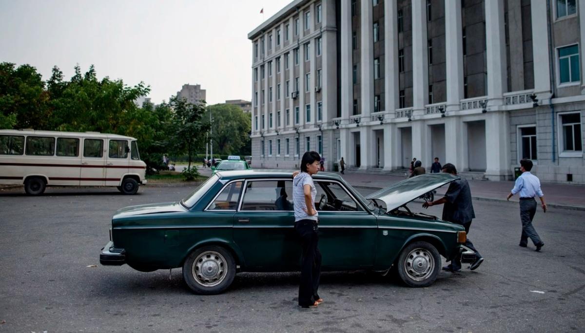 на чем ездят в Северной Корее