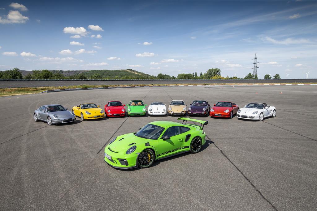 Porsche 70 лет спортивным моделям