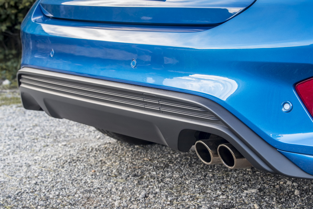 Задний бампер Ford Focus 2018 ST Line