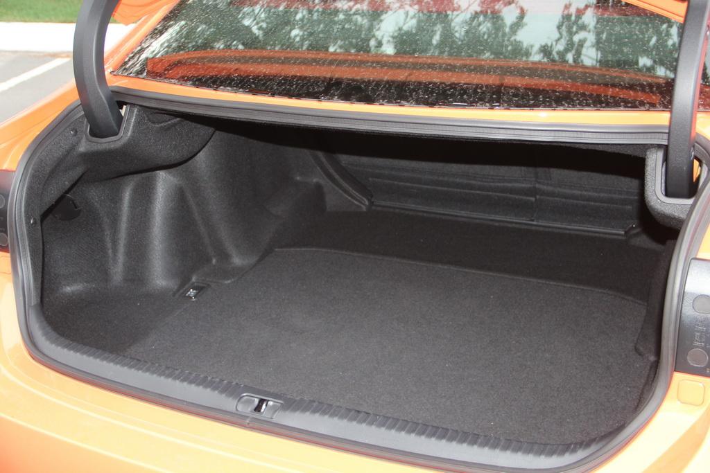 Багажник Lexus RC 200t