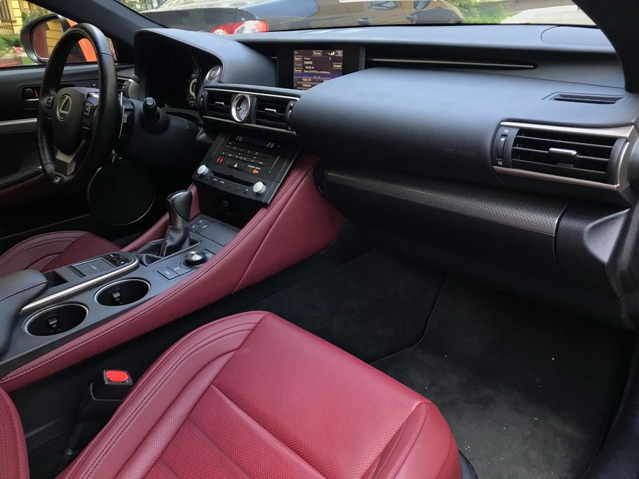 Салон Lexus RC 200t