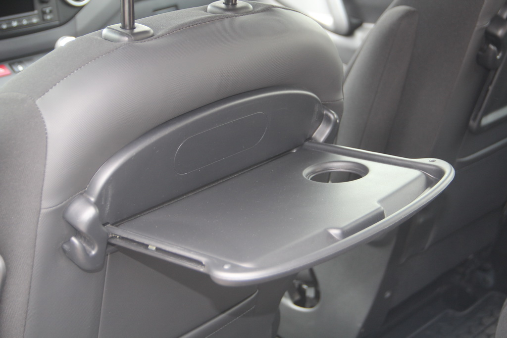 Столики второго ряда Peugeot Partner Tepee 4x4