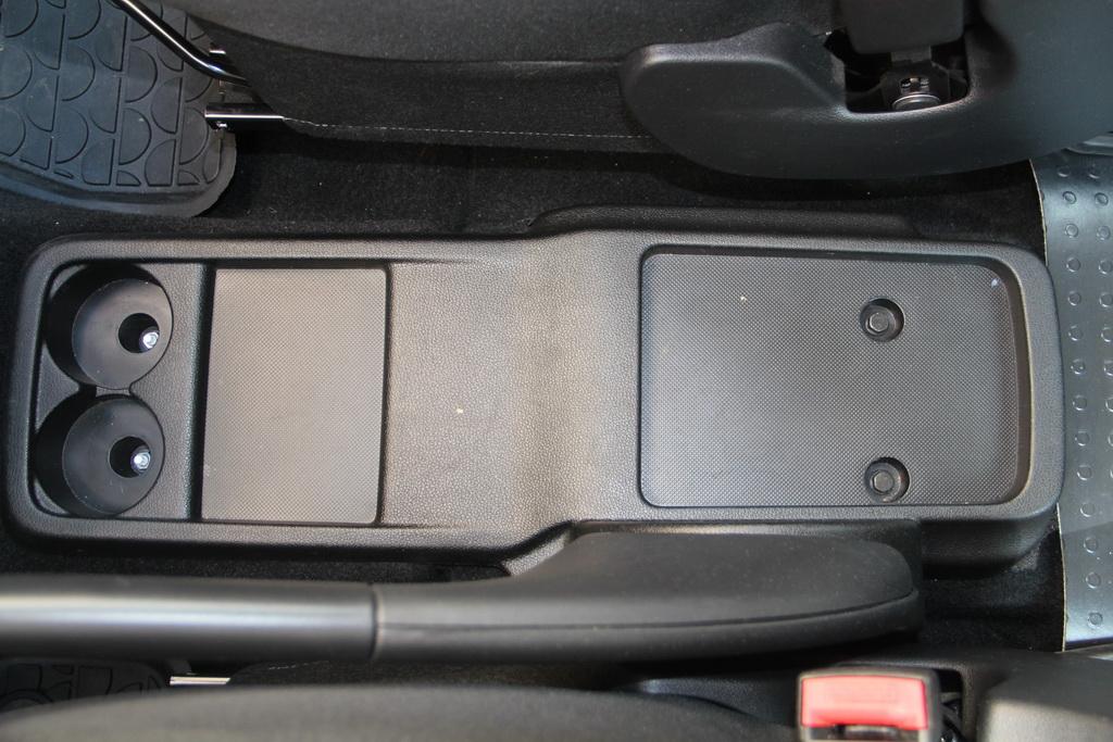 Полочки и ниши в Peugeot Partner Tepee 4x4